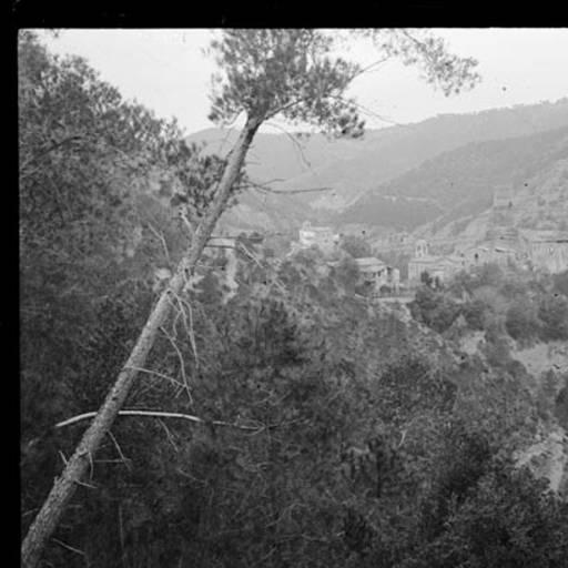 Pinassa a Coaner a principis de segle. Fons: arxiu ACEC.