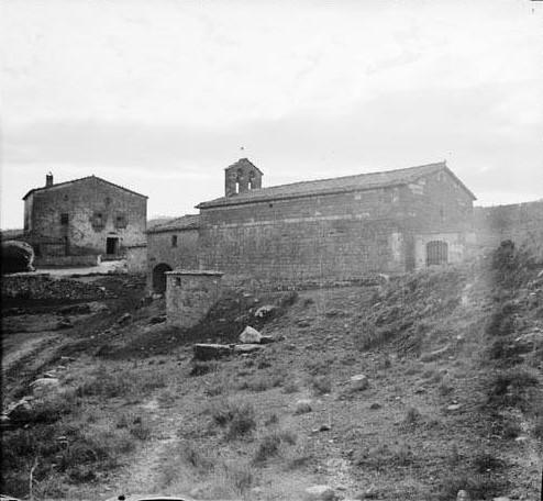 Església de Santa Margarida i cases de la quadra de Mejà. Fons: Arxiu de la Memòria Digital de Catalunya.